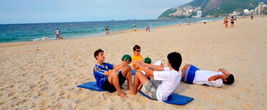 Resultado de imagem para educação física praia